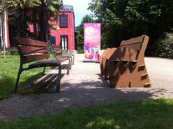 Ubik en el parque : gazte xaia. Muebles