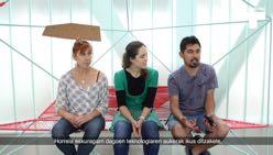 María Martín, Bego Krego eta Fabián Morales Sánchezi elkarrizketa